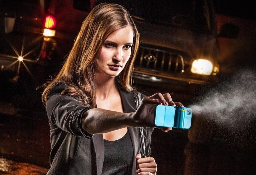 This DIY Can of Pepper Spray Shoots a Photo of Your Attacker While You Spray Them