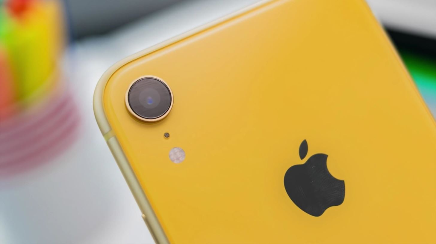 2020 iPhone SE vs. iPhone XR — How Apple's Cheapest Smartphones Stack Up Against Each Other