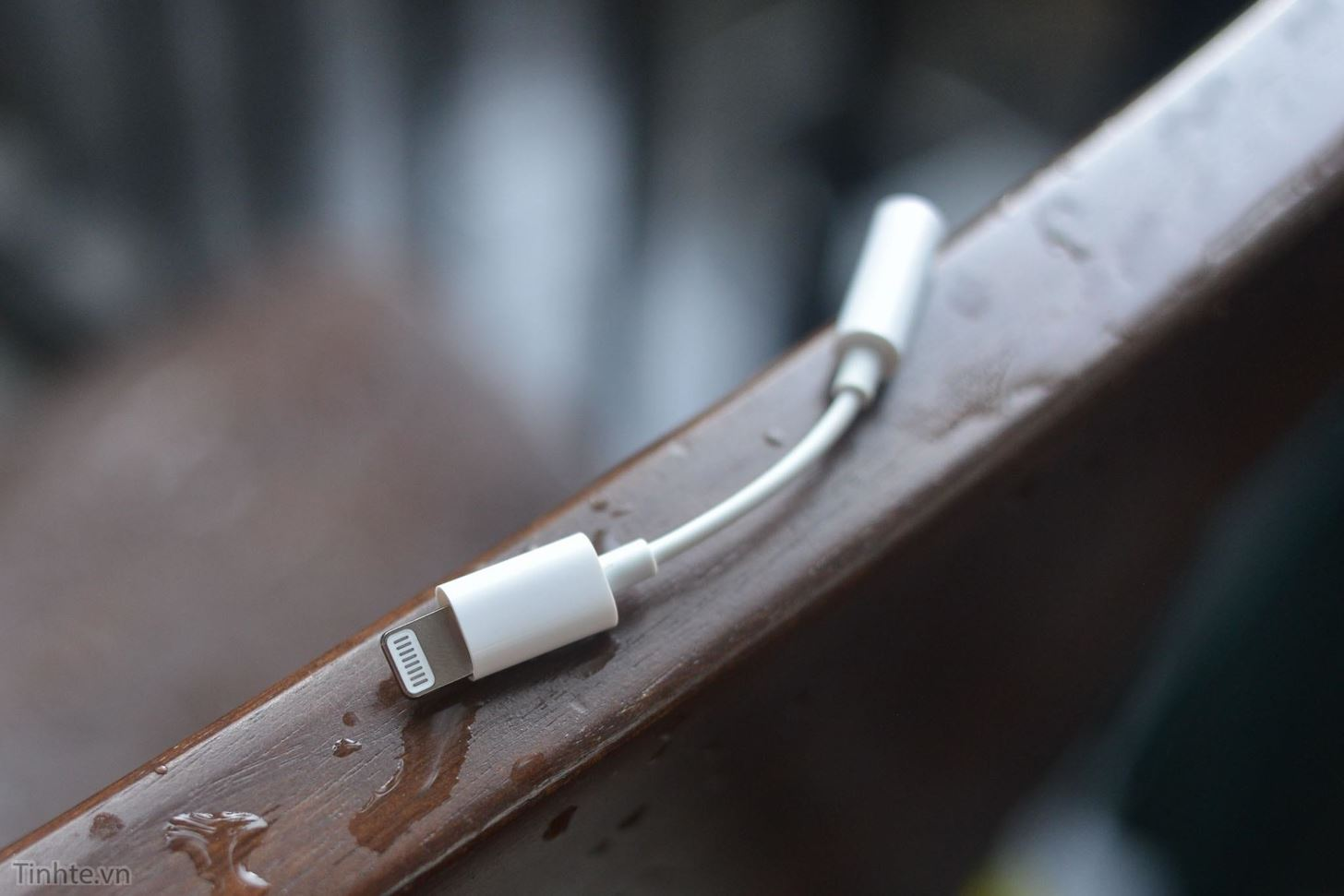 Finally, Real Proof That the iPhone 7 Will Come with a Headphones Lightning Adapter
