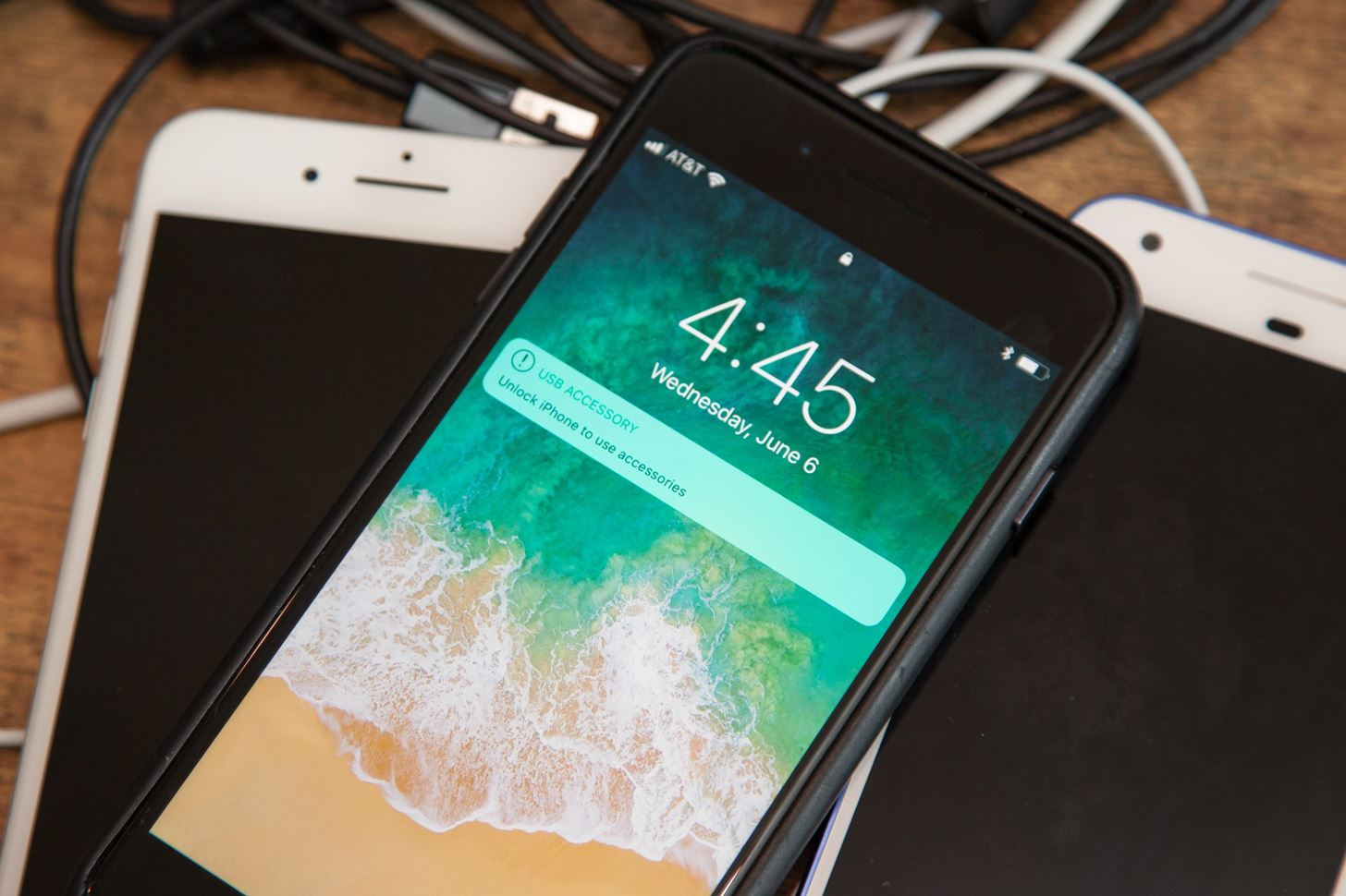 Your iPhone XS or XS Max Isn't Charging? Here's How to Fix It