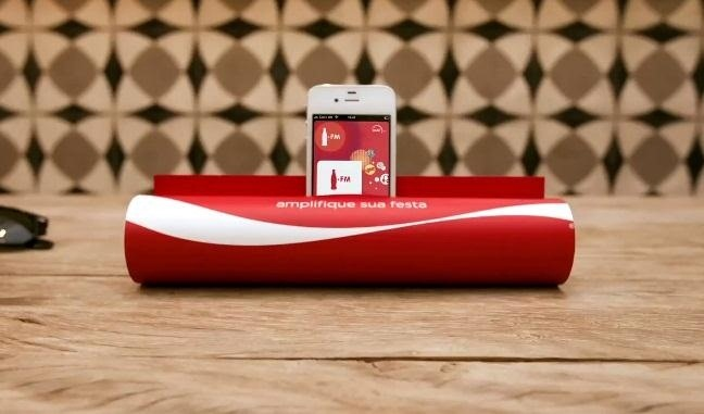 How to Turn Any Magazine into an iPhone Stereo Sound Dock