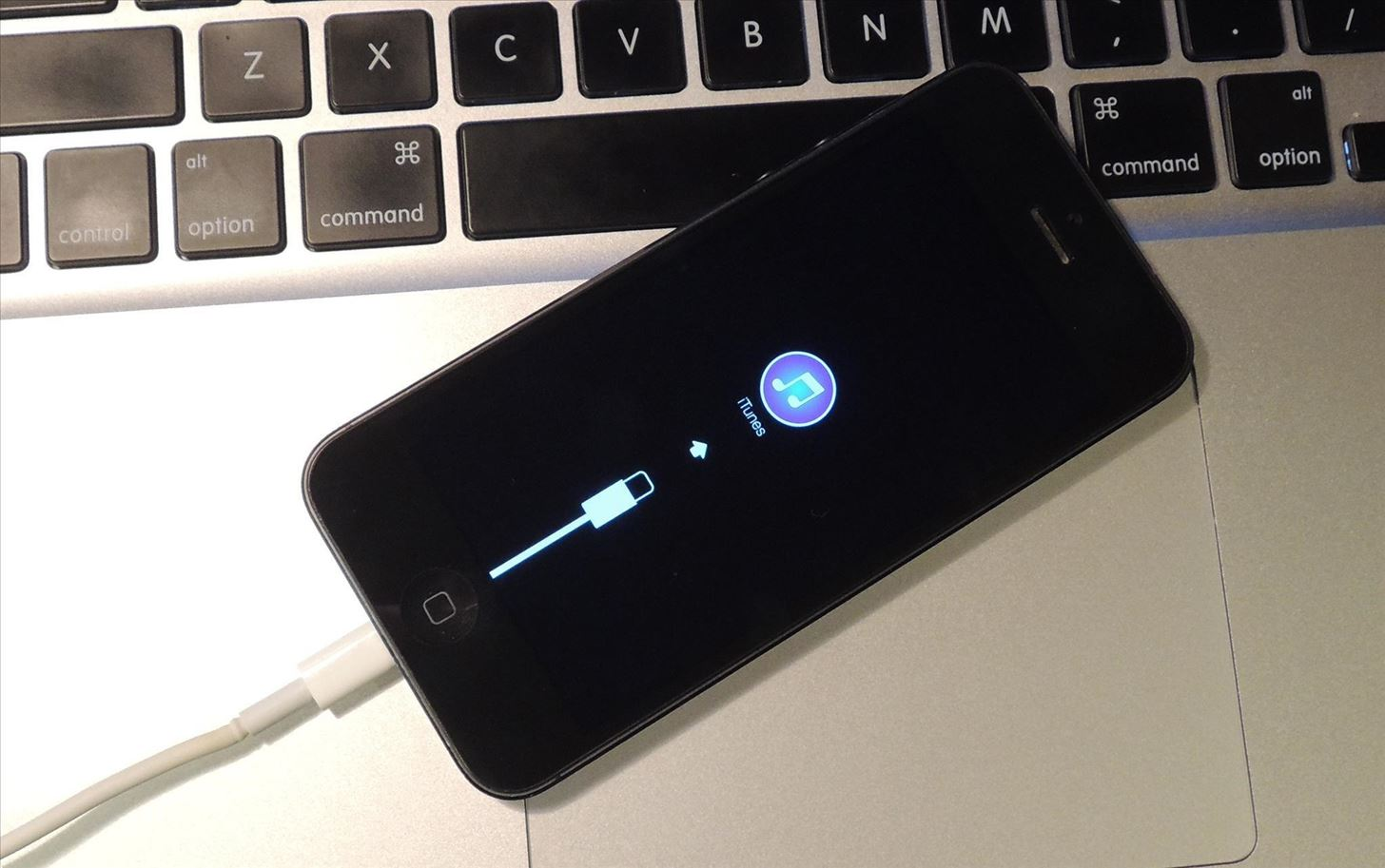 How to Downgrade Your iPhone from iOS 8 Beta to iOS 7.1.1