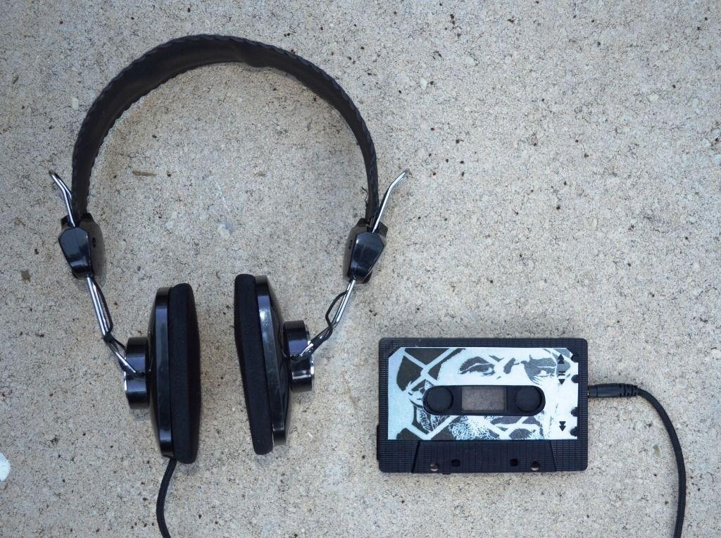 How to Hack an Old Cassette Tape into a Retro-Style MP3 Player