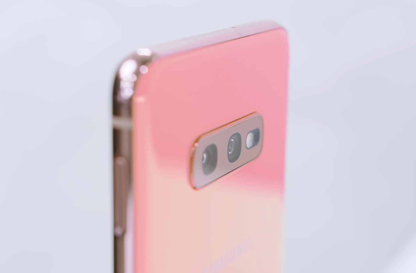 Spec Comparison: iPhone 11 vs. Galaxy S10e vs. OnePlus 7 Pro vs. ZenFone 6 vs. Axon 10 Pro
