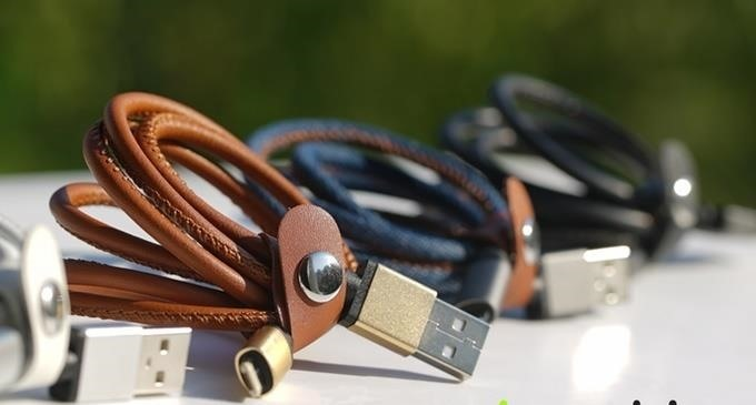 This Cable Can Charge Both Androids & iPhones