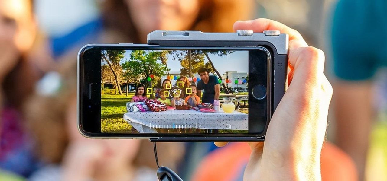 This Case Turns Your iPhone into a Full-Fledged Camera