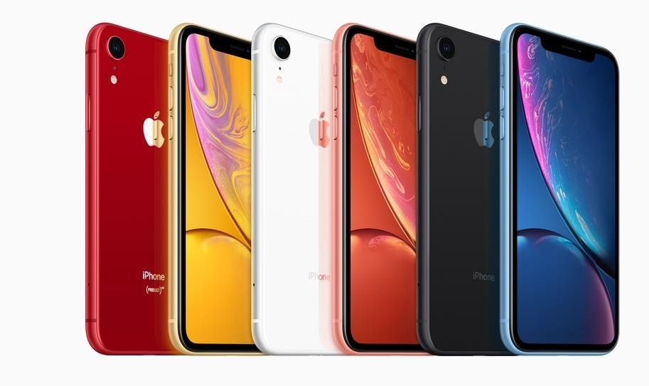 iPhone XR vs Samsung Galaxy S9+ — Comparing the Second-Largest Screens in the Bunch