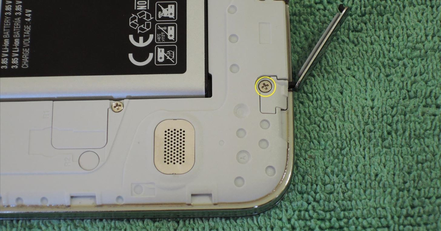 How to Safely Remove & Replace the Charging Port Cover on Your Samsung Galaxy S5