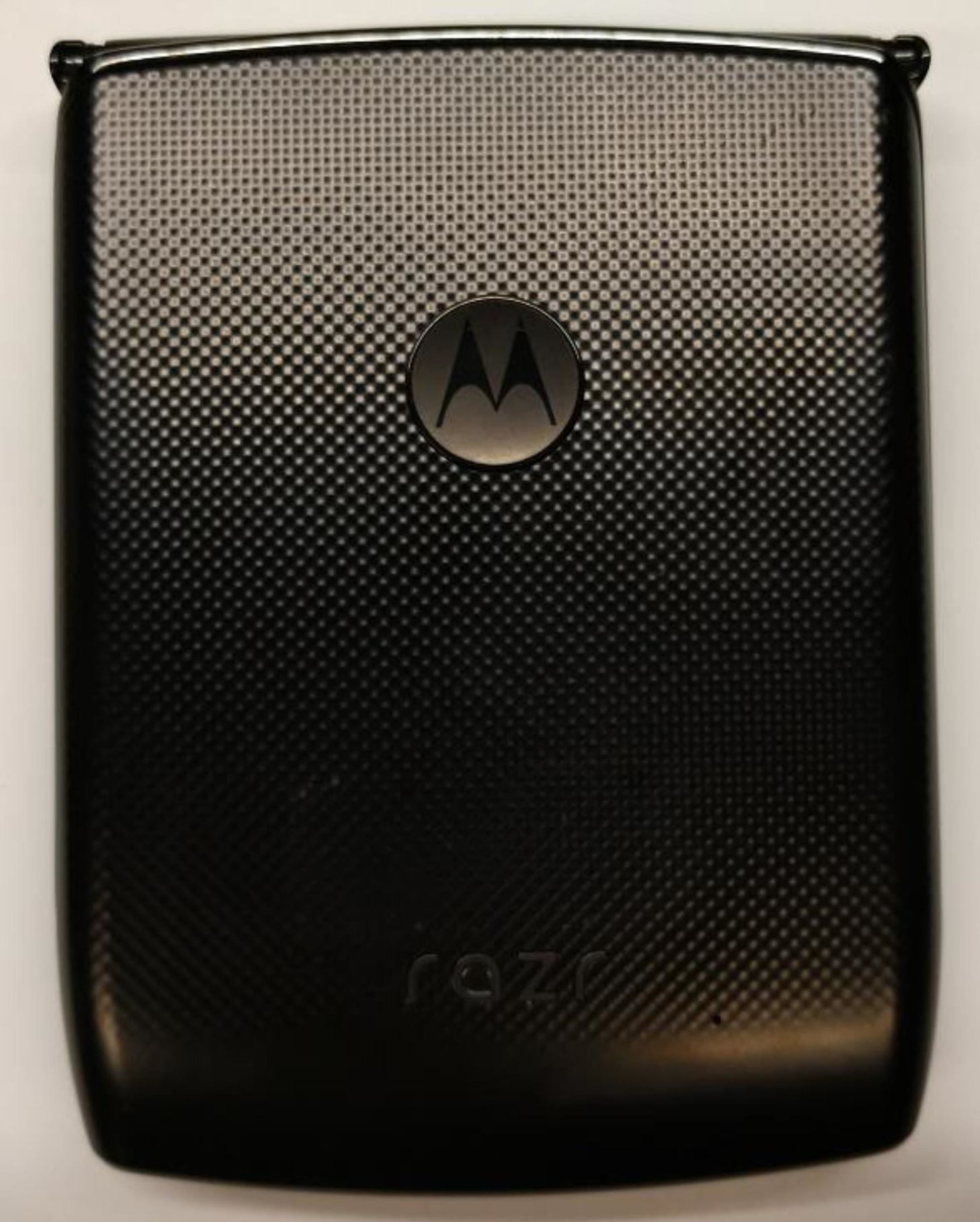 New Photos of the 2019 Motorola RAZR Surface in FCC Filing, Reveal Dimensions, Notch & Biometrics