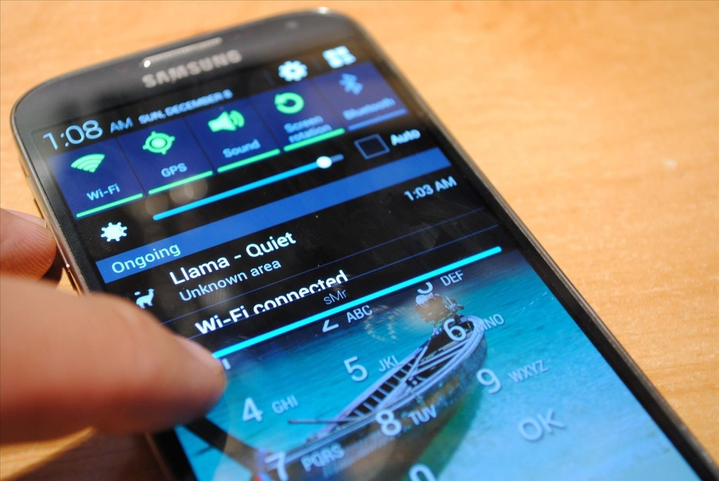 How to Access Your Notifications from the Pattern or PIN-Protected Lock Screen on Your Galaxy S4