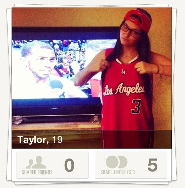 "How to Find Love or Lust on the Down-Low Using the New ""Tinder"" Dating App for iPhone"