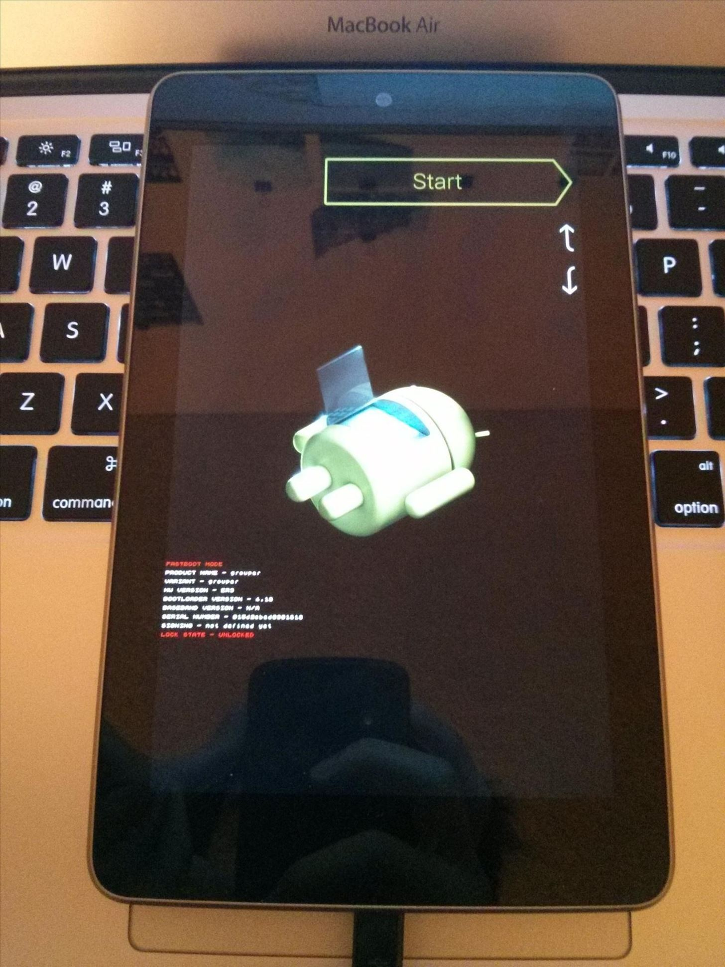 Tired of the Stock ROM on Your Nexus 7? Install CyanogenMod Instead
