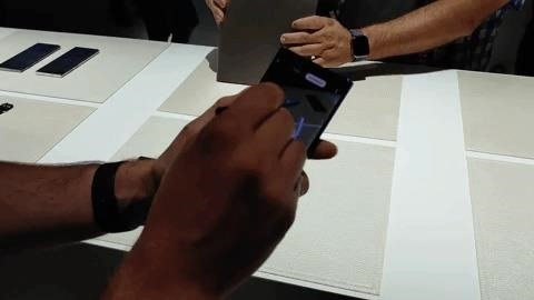 Drawing on real-world objects with AR doodles on your Galaxy Note 10