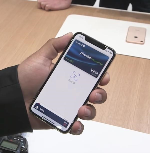 How to use apple pay on new iphone xs