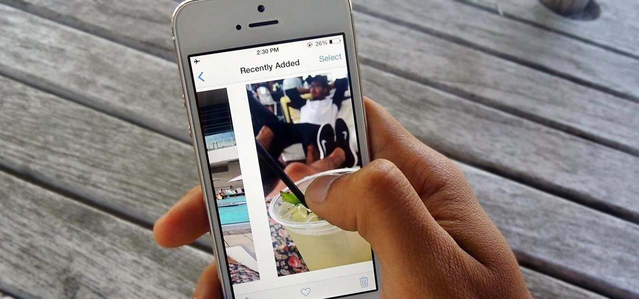 How to Show Someone a Photo on Your iPhone Without Them