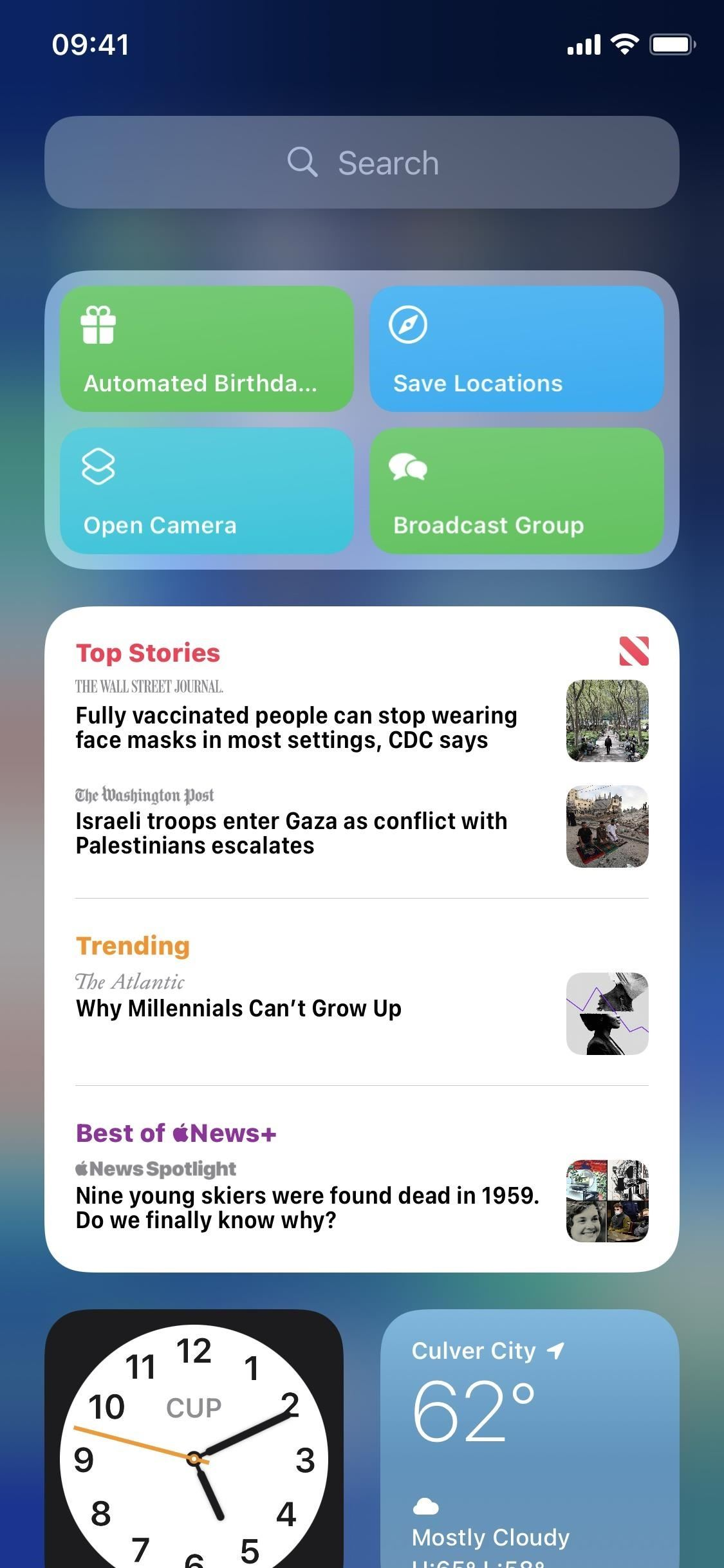 Remove the annoying photo widget from your iPhone's current view to avoid showing potentially embarrassing photos