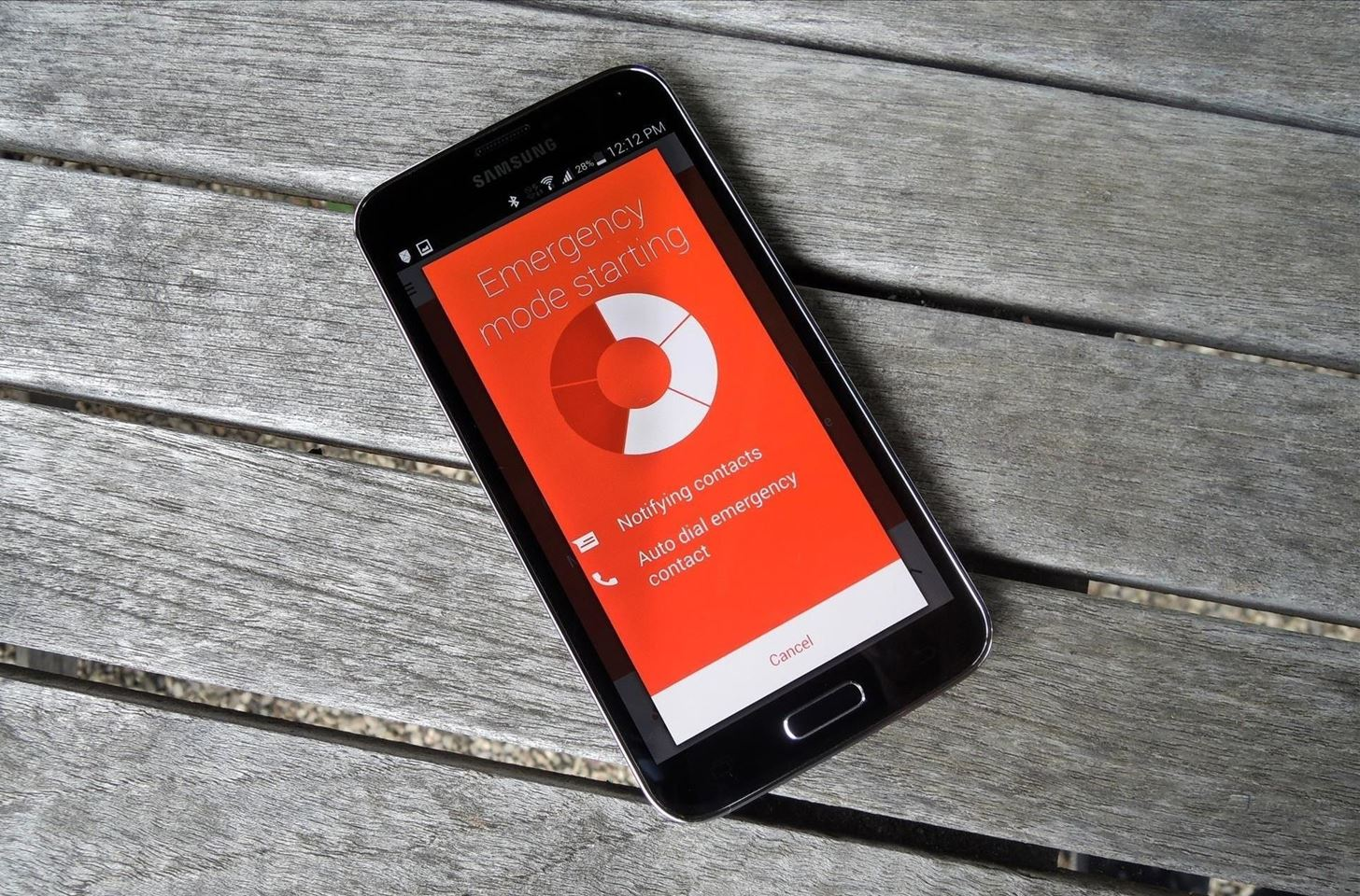 "Turn Your Android Phone into a Personal Distress Beacon with Motorola's ""Exclusive"" Alert App"