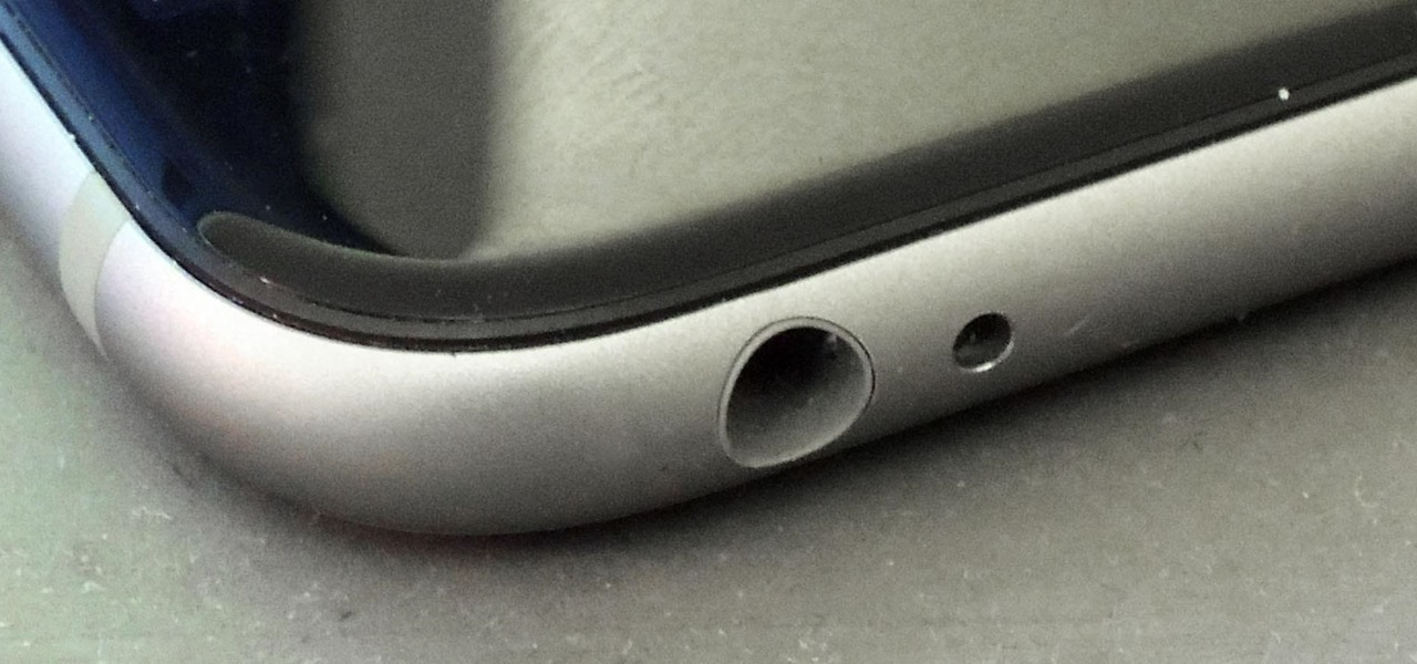 Rumors Are Swirling That the iPhone 7 WILL Have a Headphone Jack, but We're Not Buying It