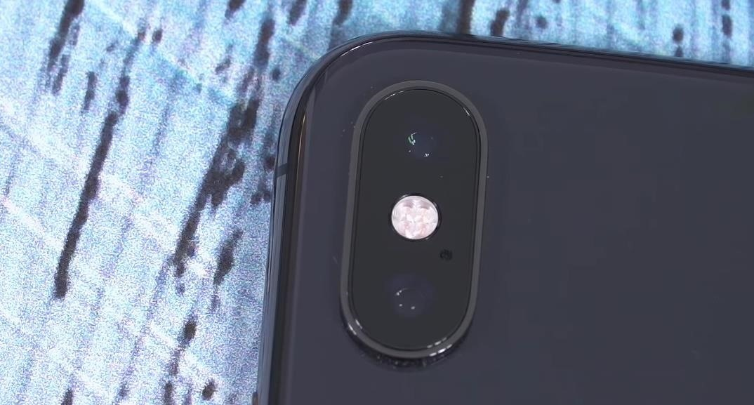 Pixel 3 vs. iPhone XS: The Battle of the 'Small' Flagships