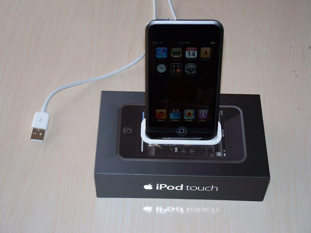 How to Turn Your iPad Mini's Box into a Free Stand and Charging Dock