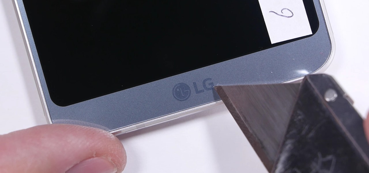 The LG G6 Is a Tank in JerryRigEverything's Scratch, Burn & Bend Test