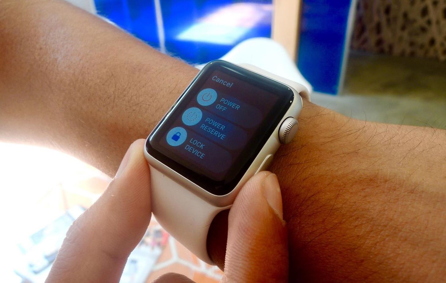 How to Force-Close Running Apps on the Apple Watch