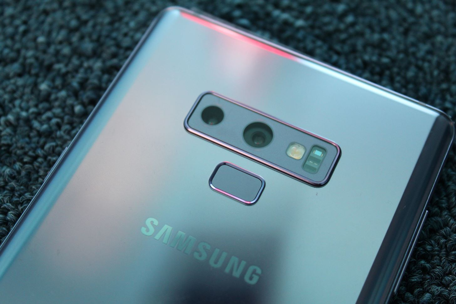 Mate 20 Pro vs Galaxy Note 9: Comparison of the best phones from the top 2 manufacturers