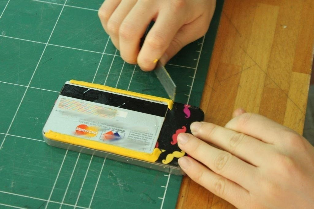 How to Turn Your Phone into a Wallet for Cards & Keys Using Sugru