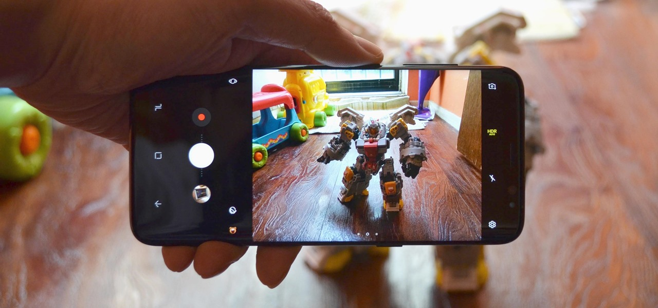 Quickly Switch Between Front & Rear Cameras on Your Galaxy S8