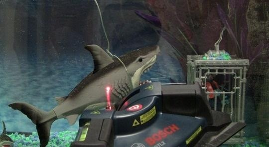 DIY Laser Tripwire System That Tweets Whenever Sharks Swim Past