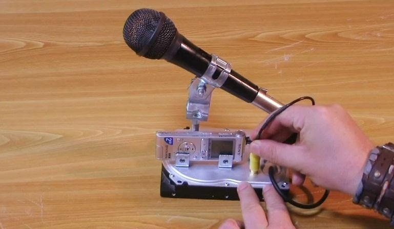 How to Make a Dynamic Mic and Sound Recorder Stand from an Old Hard Drive