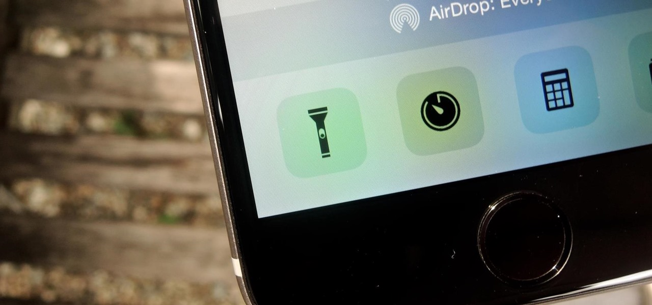 Turn Off Your iPhone's Flashlight Faster in iOS 8 Without Using the Control Center