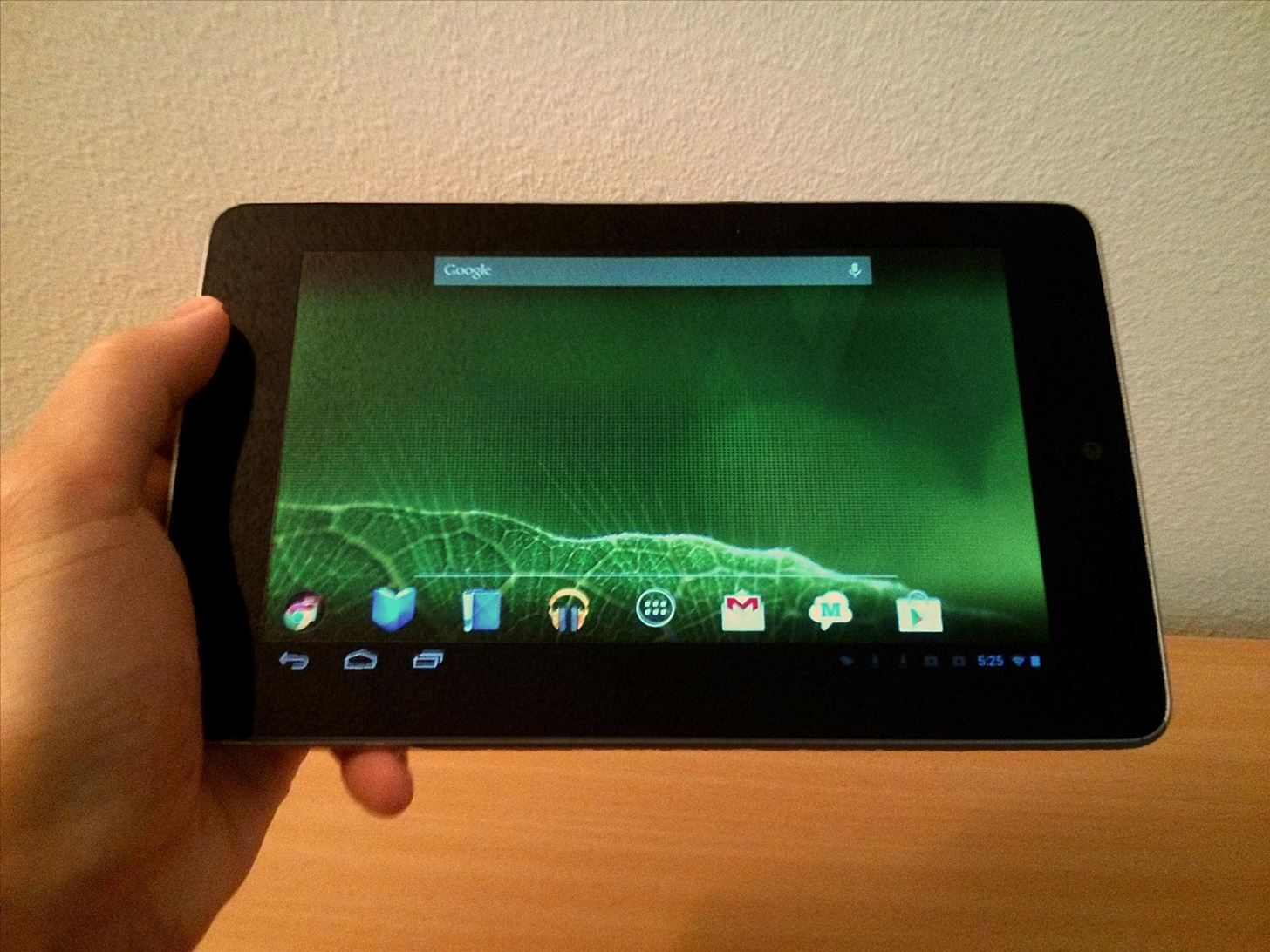 "Warning: Your Nexus 7 Tablet Is Not Actually a ""Tablet"" (But Here's How You Make It One)"