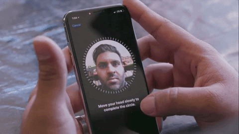 Watch How the iPhone X's 30K IR Dots Scan Your Face