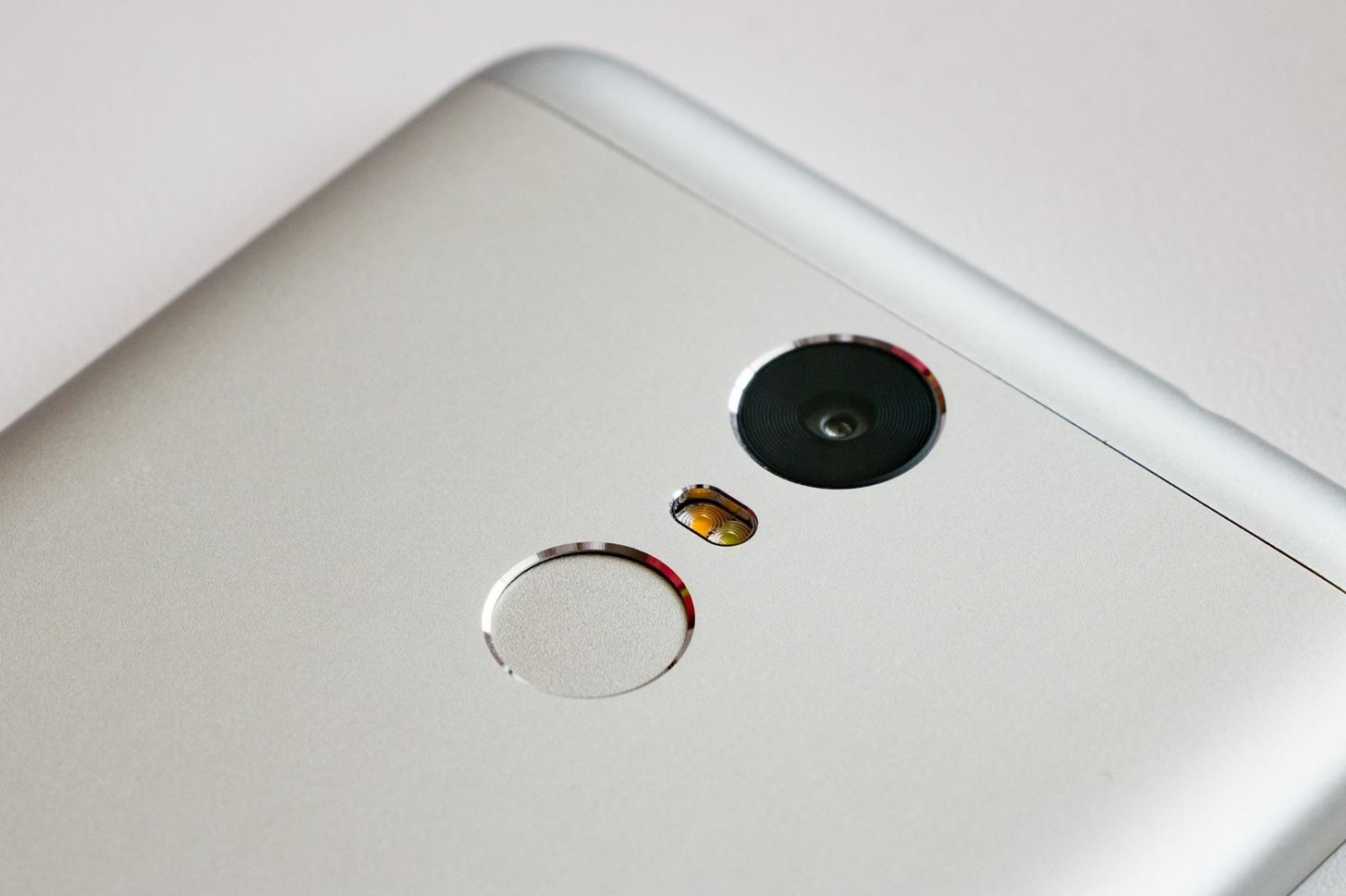 Researchers Find 'MasterPrints' That Can Bypass Your Phone's Fingerprint Scanner
