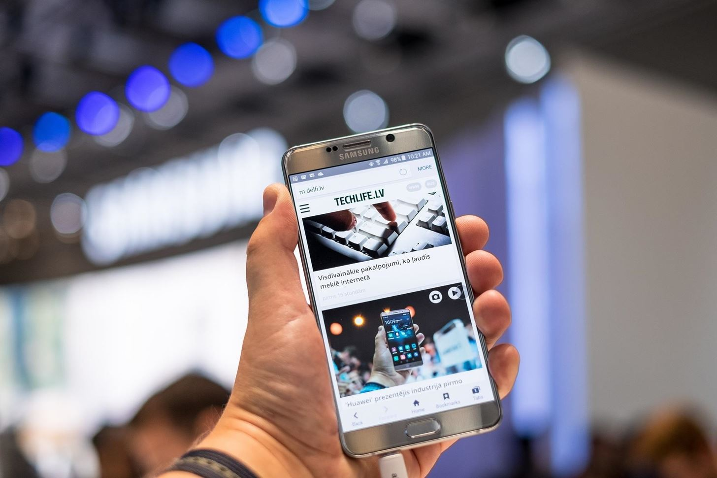 Samsung Is Still Awful at Flagship Updates « Android