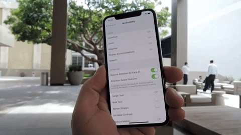 How to Turn On & Trigger Reachability on Your iPhone X