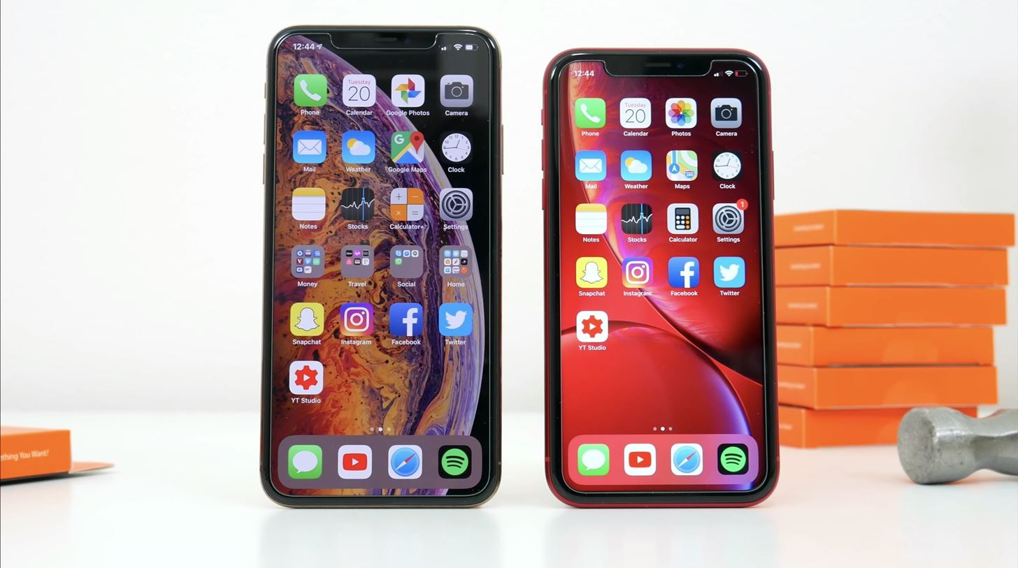2019 Holiday Guide: Essential Gifts for the iPhone Addict on Your Shopping List