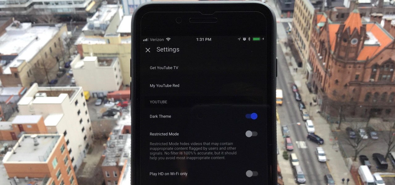 How to Enable the Dark Theme on Your iPhone
