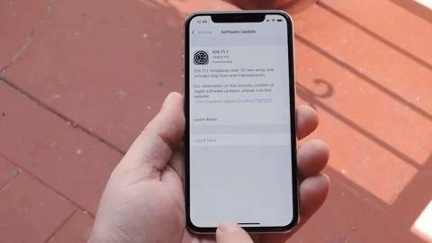How to Use the App Switcher on the iPhone X, XS, XS Max & XR