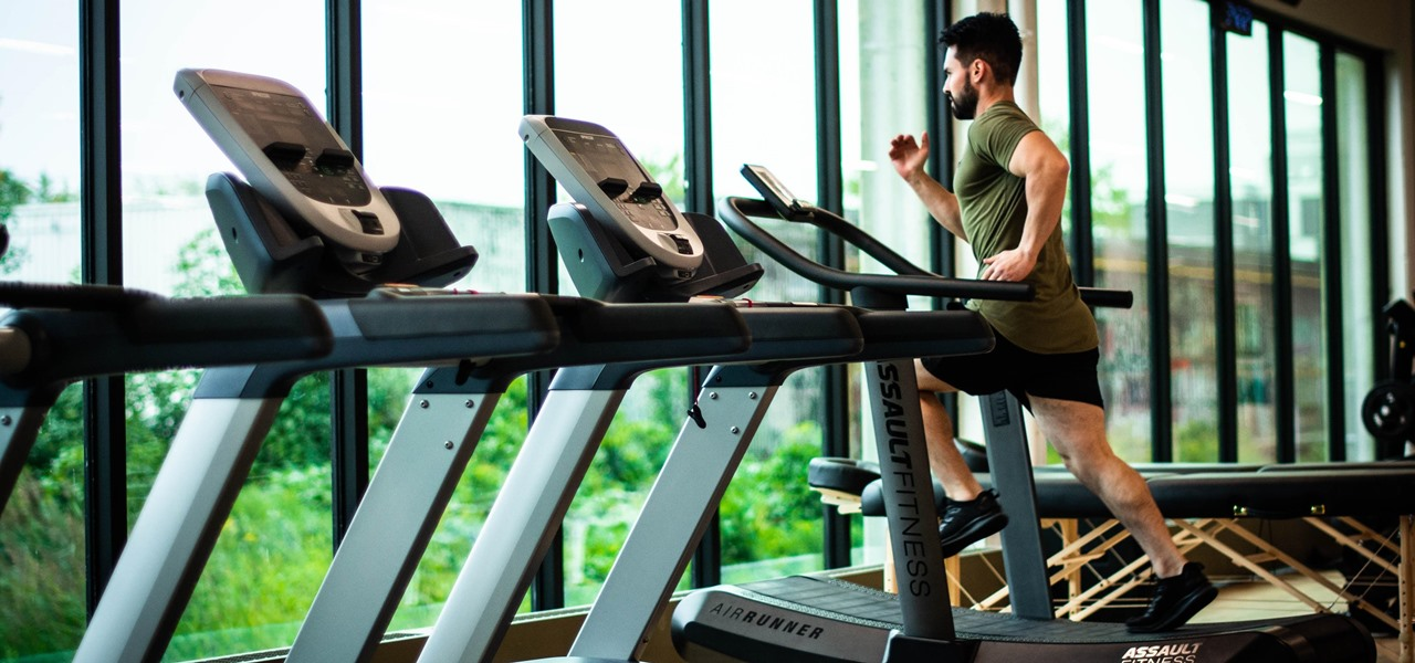 Cardio Is Dreadful, Here Are 5 Ways to Make It Better with Help from Your Phone