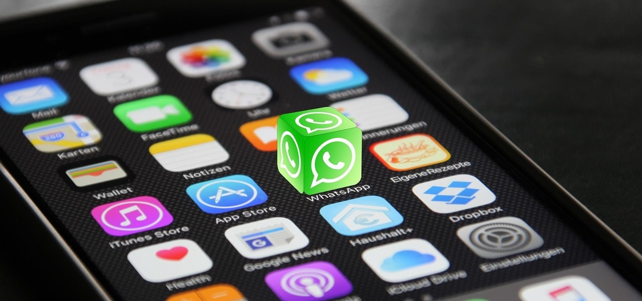 WhatsApp Receives Thousands of Fake 5-Star Reviews After Months of Ranking Below Average