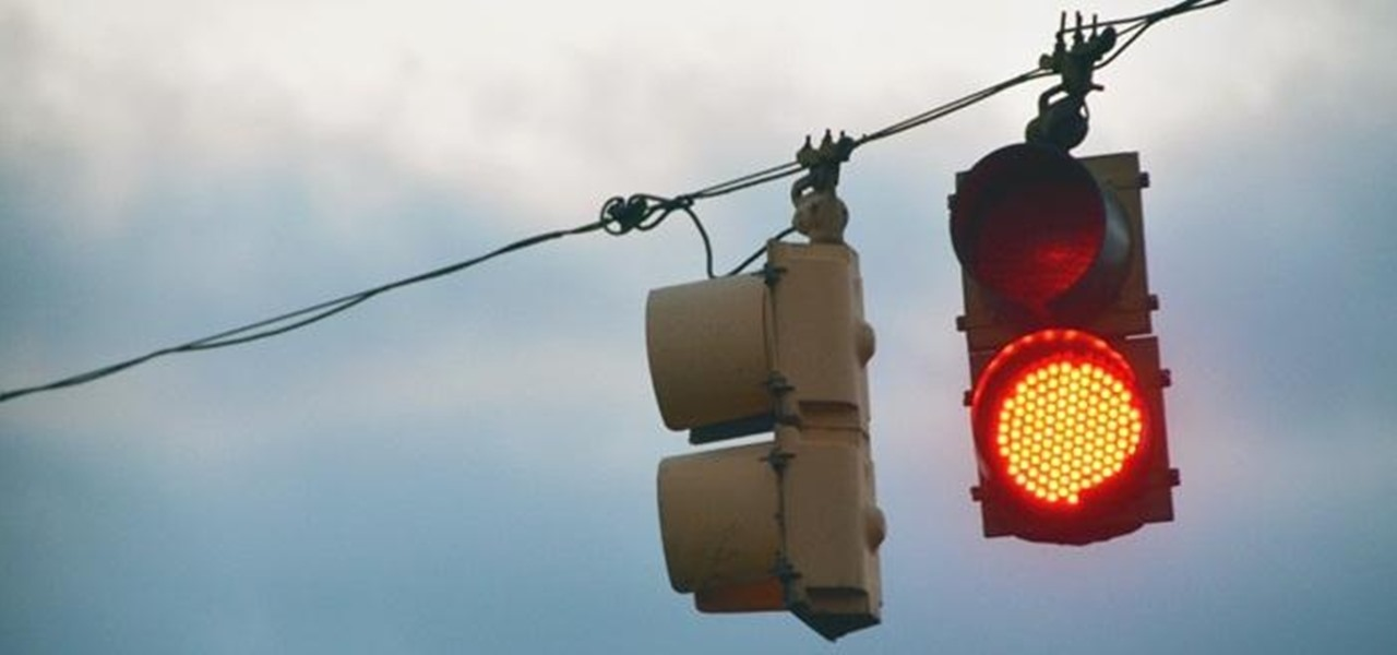 This DIY Xbox LIVE Traffic Light Tells You When Your Friends Are Gaming