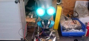 Metalworker Builds Tiny Marriage-Proposing Robot to Pop the Question for Him