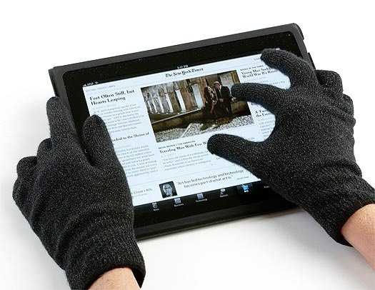 5 Easy Ways to Use Your Touchscreen Devices in the Winter (While Keeping Your Fingers Warm)