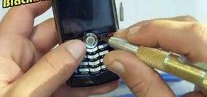 Change or repair the Blackberry Pearl trackball