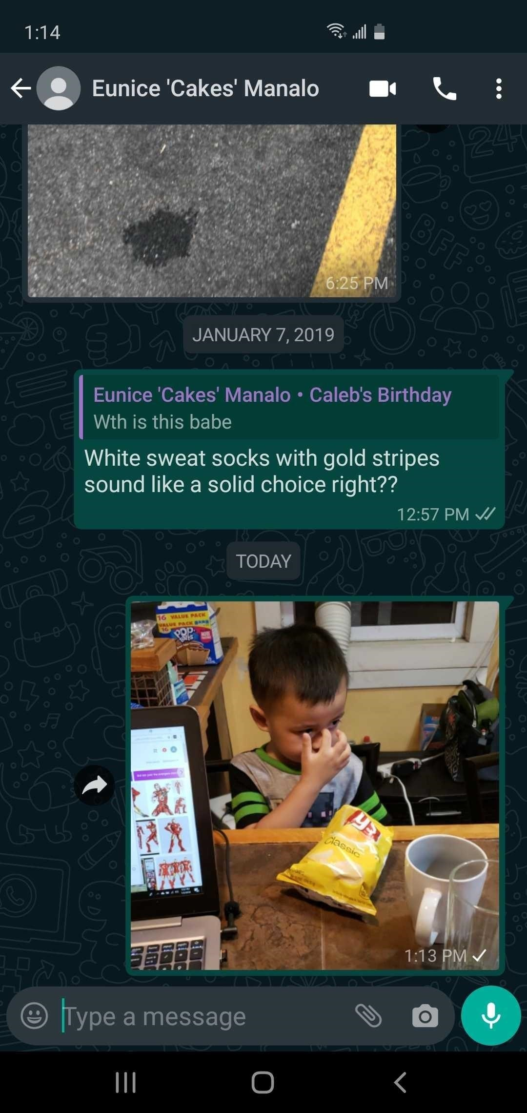 You Can Get WhatsApp's New Official Dark Mode on Android Right Now